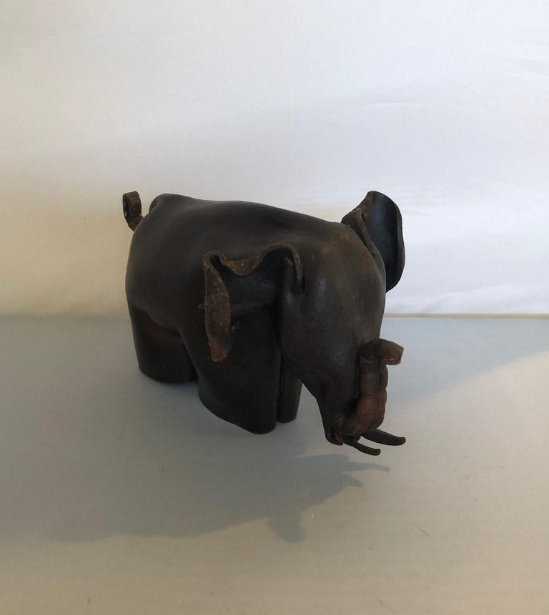 Mid-Century Modern Leather Origami Elephant Sculpture In Good Condition For Sale In San Diego, CA