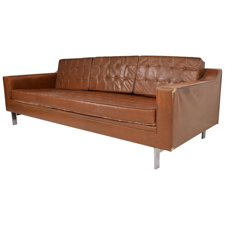 Mid-Century Modern Leather Sofa in the Style of Knoll