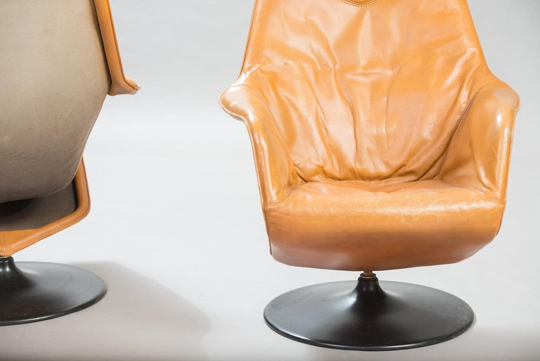 Lacquered Mid-Century Modern Leather Swivel Lounge Chairs, One Pair For Sale