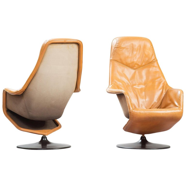 Mid-Century Modern Leather Swivel Lounge Chairs, One Pair For Sale