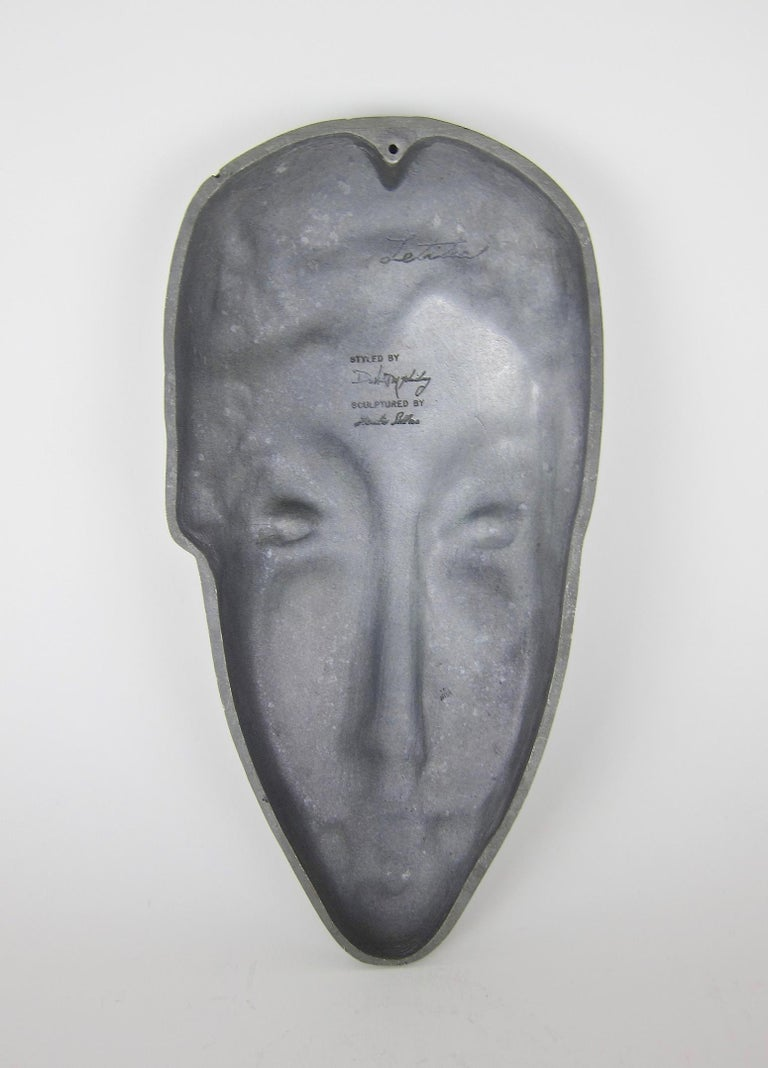 Mid-Century Modern Letitia Mask Sculpture by Evaline Clark Sellors In Good Condition For Sale In Los Angeles, CA