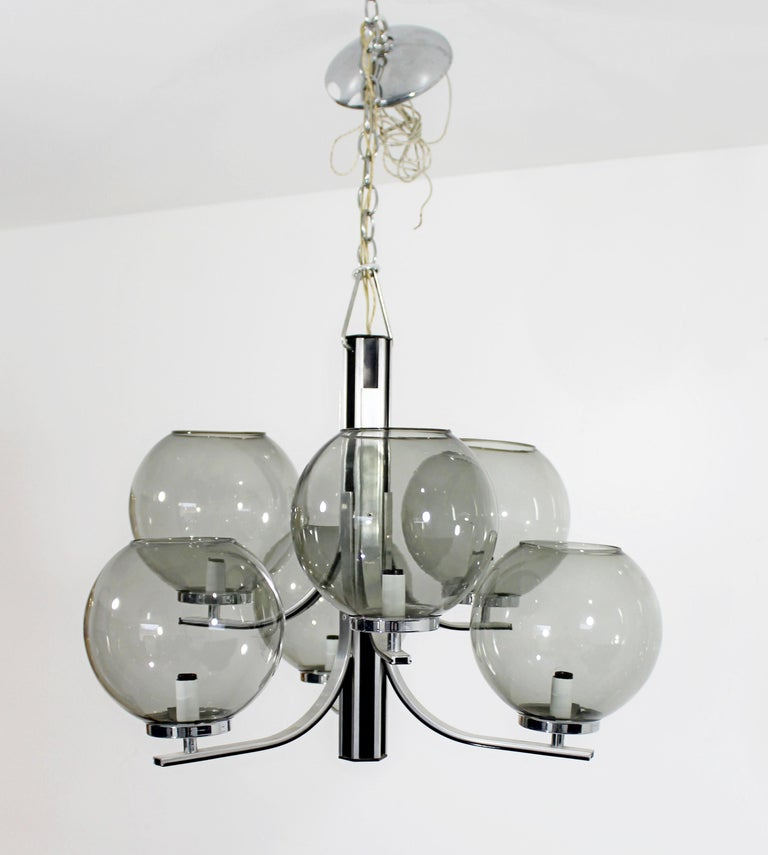 Late 20th Century Mid-Century Modern Lightolier 6 Smoked Glass Globe Chrome Chandelier Fixture For Sale