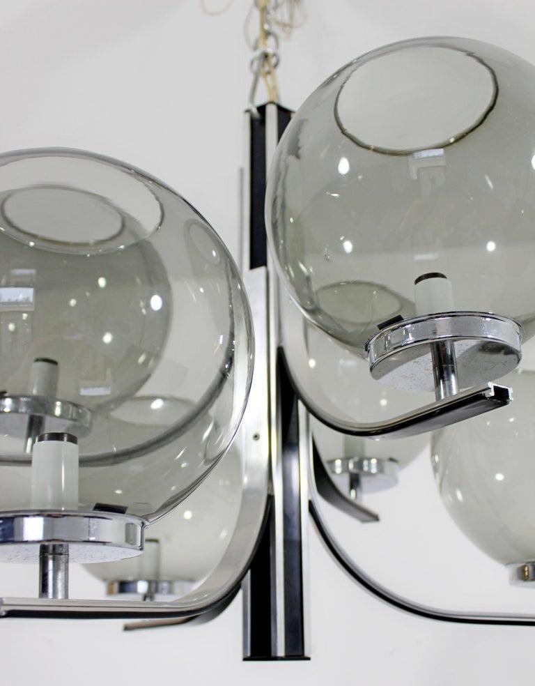 Mid-Century Modern Lightolier 6 Smoked Glass Globe Chrome Chandelier Fixture For Sale 2