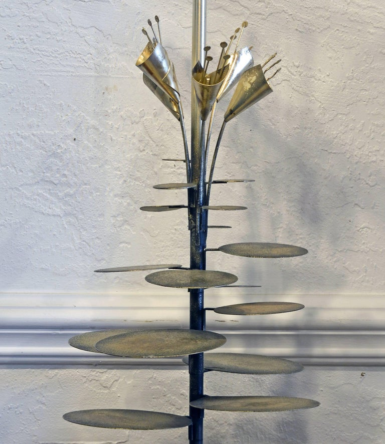 Mid-Century Modern Lilly Pad Silvered Sculptural Table Lamp Style of Curtis Jere For Sale 2