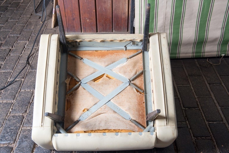 Mid-Century Modern Lounge Armchair, White Vinyl For Sale 5