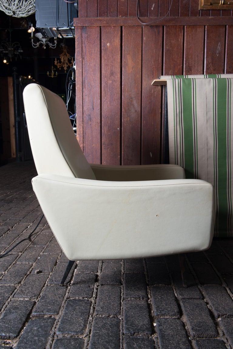 Metal Mid-Century Modern Lounge Armchair, White Vinyl For Sale