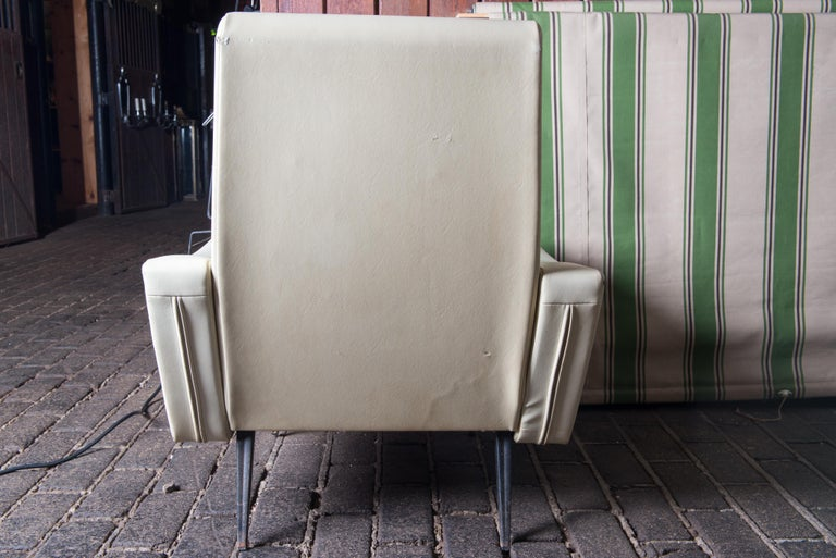 Mid-Century Modern Lounge Armchair, White Vinyl For Sale 2