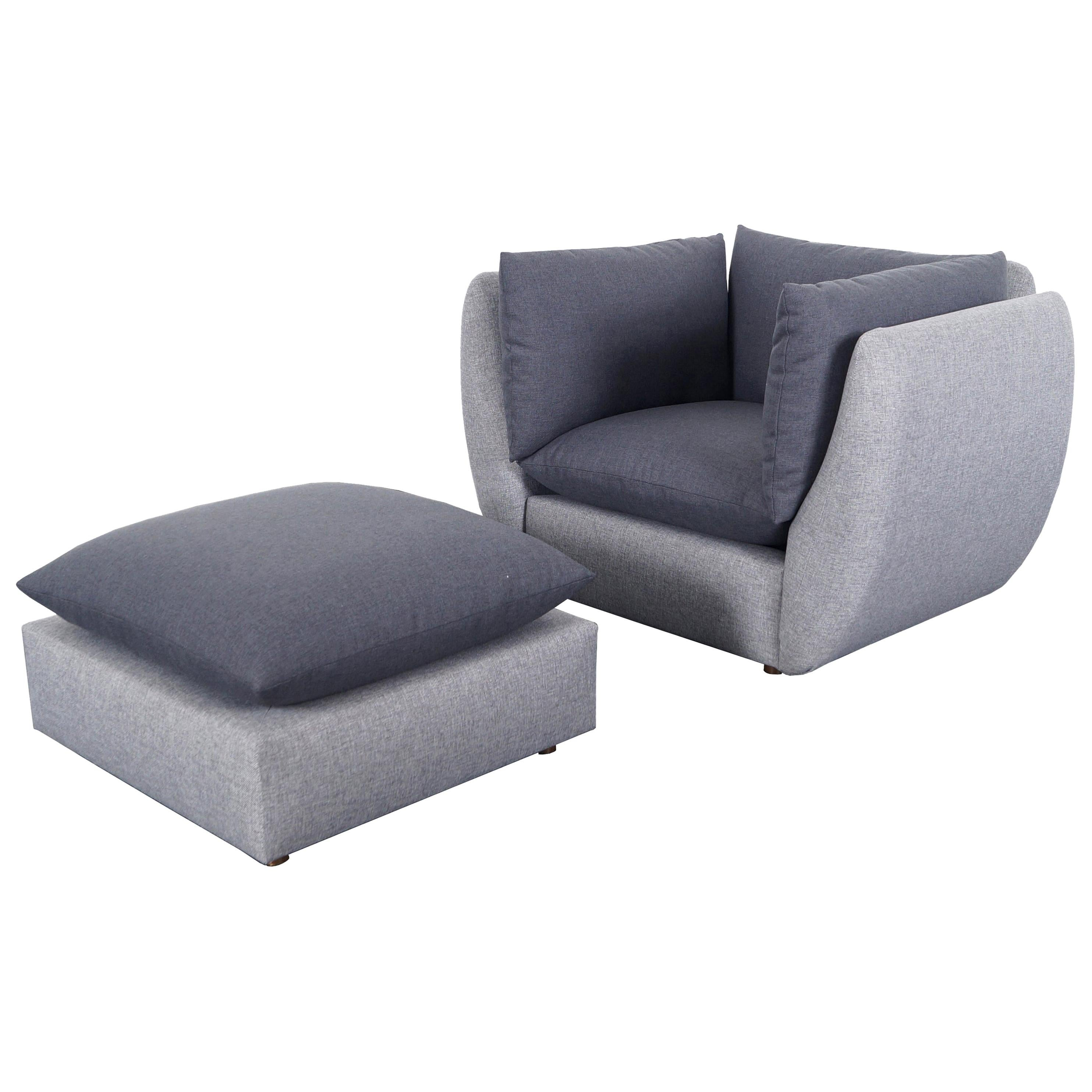 Mid-Century Modern Lounge Chair and Ottoman in the Manner of Milo Baughman