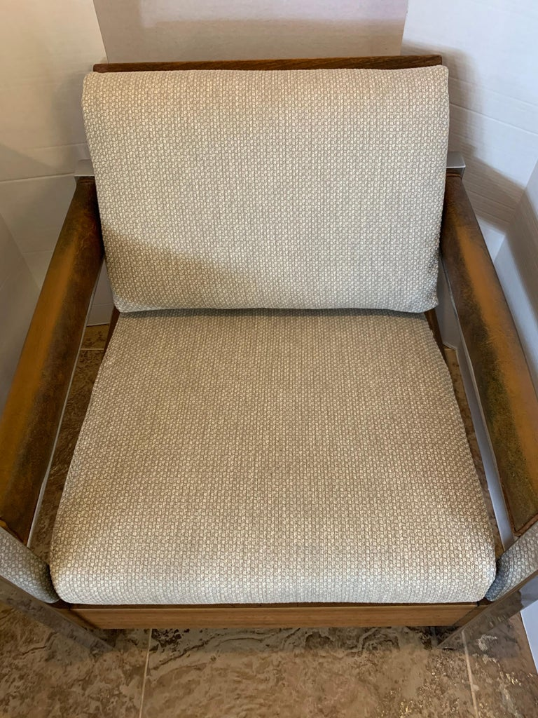 Mid-Century Modern Lounge Chair Armchair Low Profile In Good Condition For Sale In West Hartford, CT