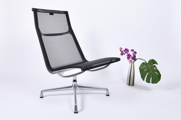 Mid-20th Century Mid-Century Modern Lounge Chair EA 115 by Charles & Ray Eames for Vitra For Sale