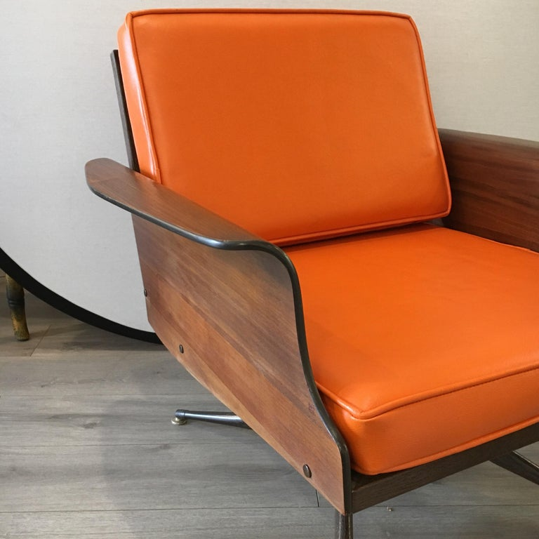 Mid-Century Modern Lounge Chair  For Sale 4