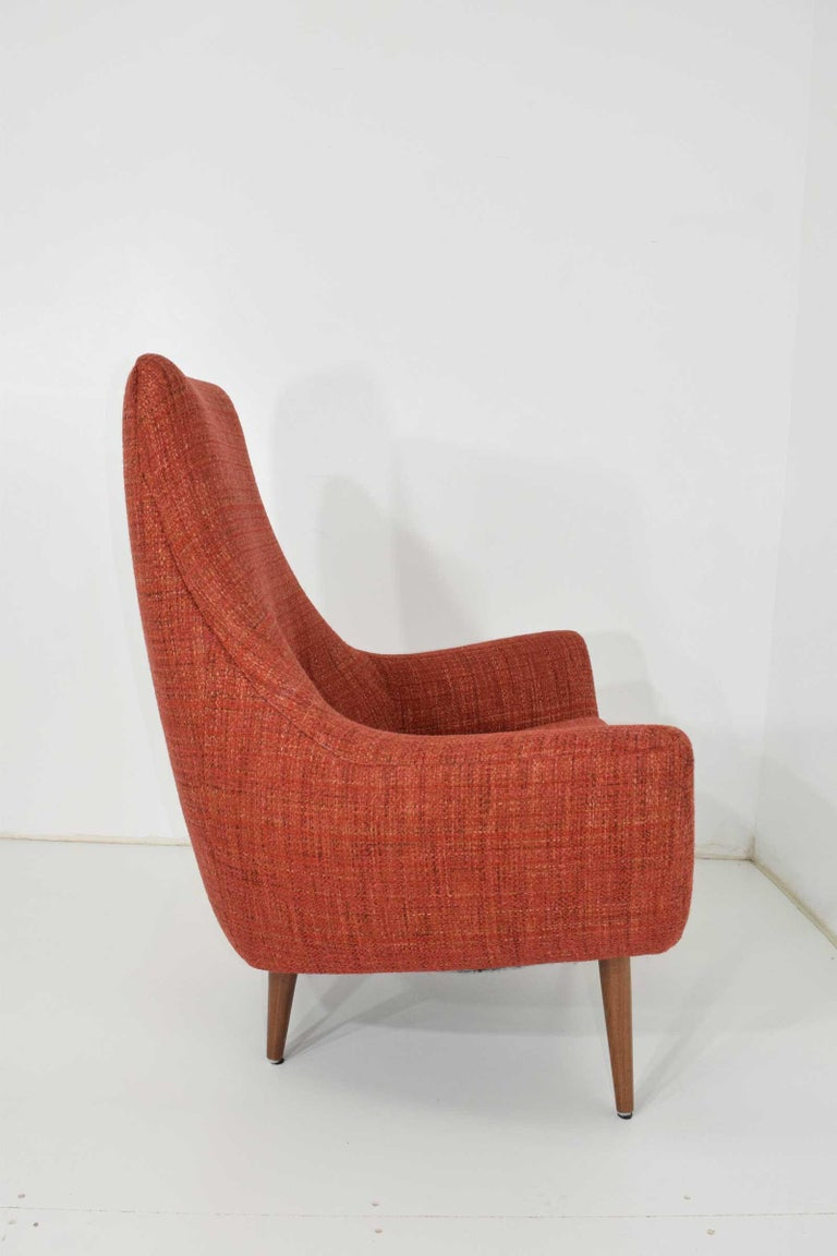 Great looking midcentury lounge chair in style of Adrian Pearsall or Milo Baughman.