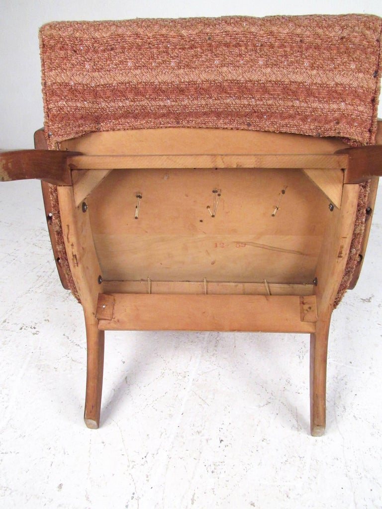Mid-Century Modern Lounge Chair with Ottoman For Sale 12