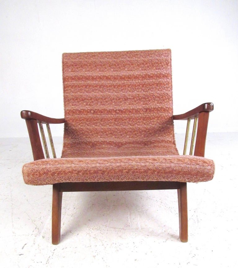 Mid-20th Century Mid-Century Modern Lounge Chair with Ottoman For Sale
