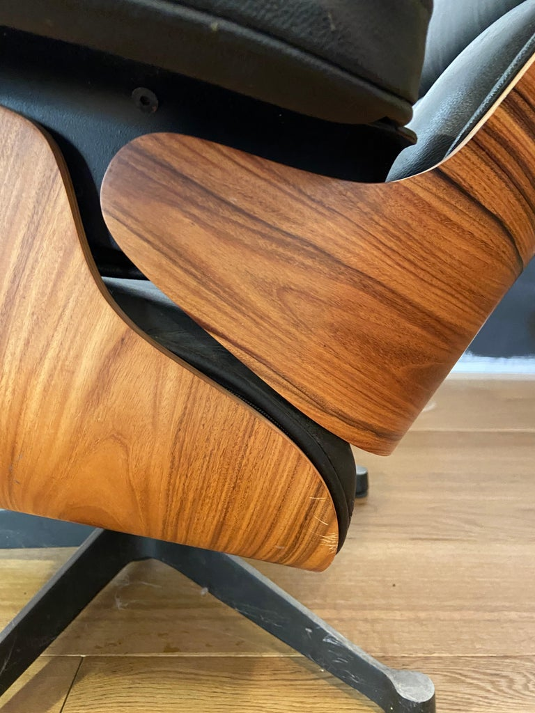 Late 20th Century Mid-Century Modern Lounge Chair with Ottoman in the Style of Charles Eames 1970s For Sale