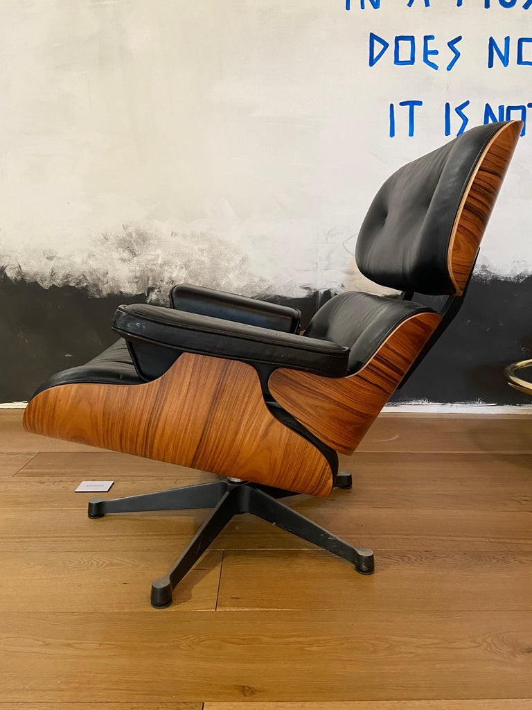 Aluminum Mid-Century Modern Lounge Chair with Ottoman in the Style of Charles Eames 1970s For Sale