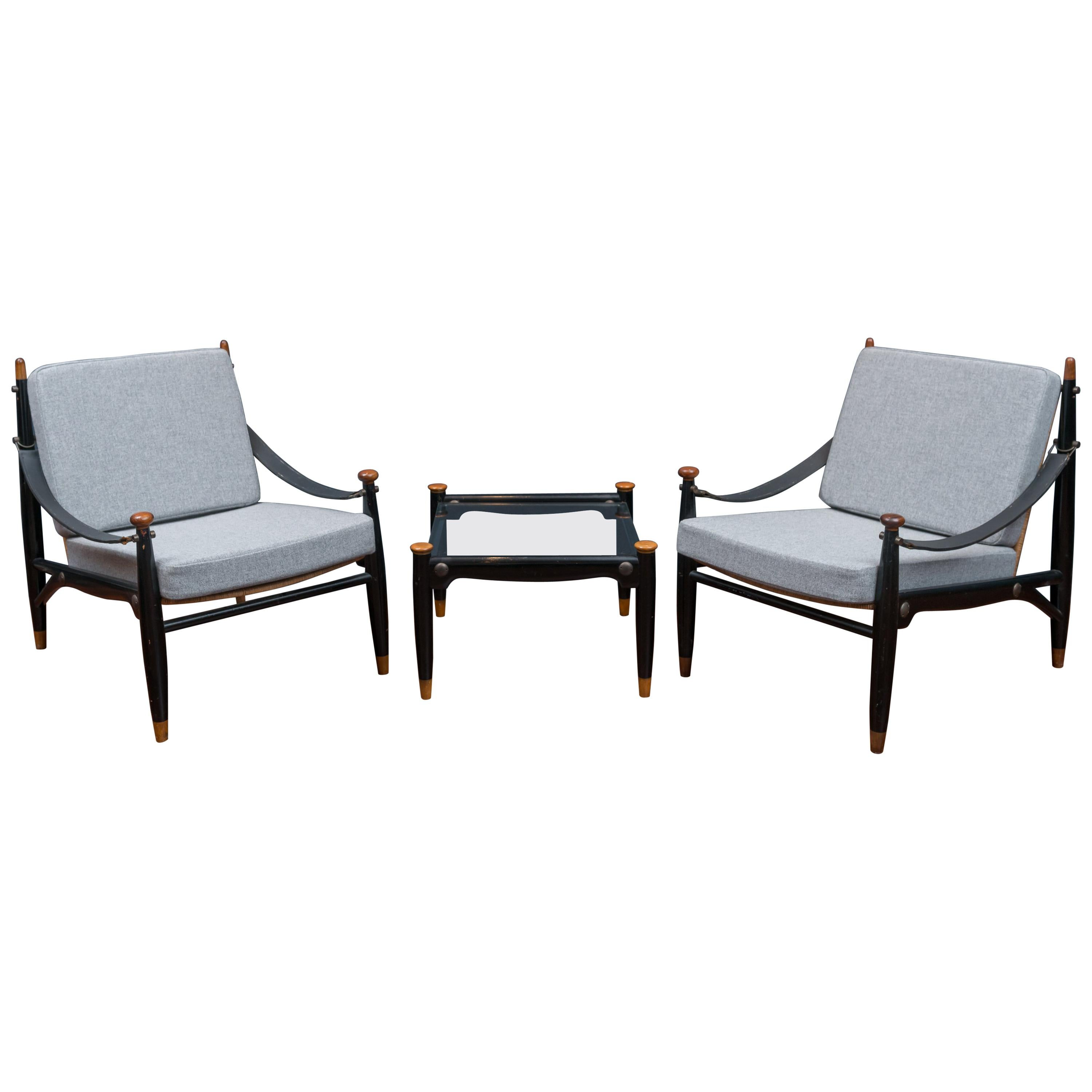 Mid Century Modern Lounge Chairs And Table For Sale At 1stdibs