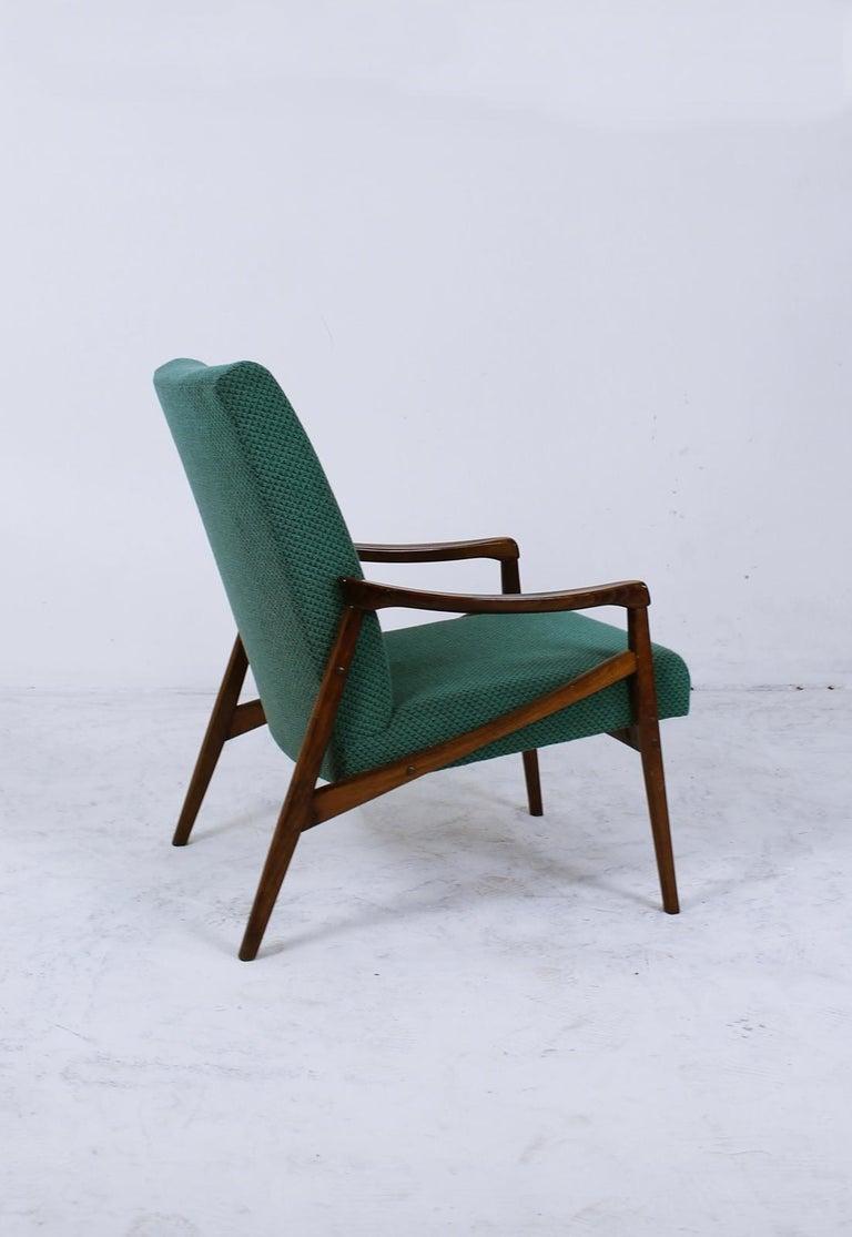 European Mid-Century Modern Lounge Chair by Jiří Jiroutek for Interier Praha For Sale