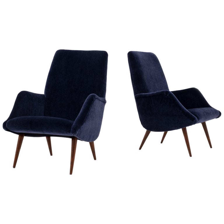Mid-Century Modern Lounge Chairs in Mohair Velvet by Carlo de Carli for Cassina For Sale