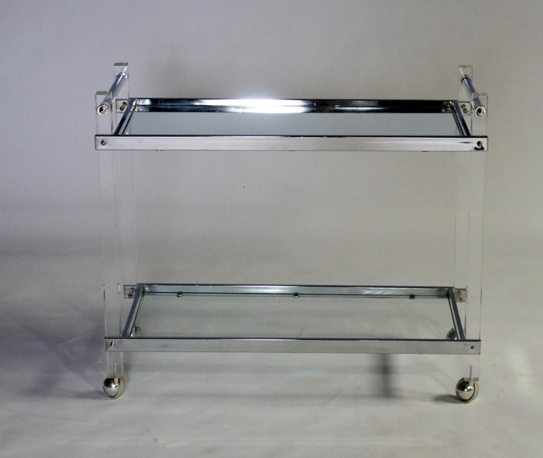 Polished Mid-Century Modern Lucite and Chrome Bar Cart For Sale