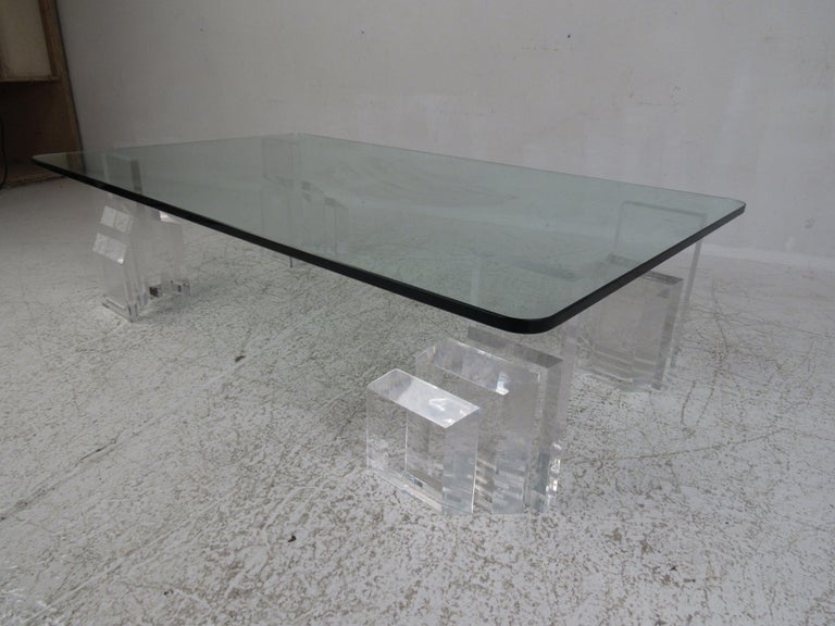 Late 20th Century Mid-Century Modern Lucite and Glass Coffee Table For Sale