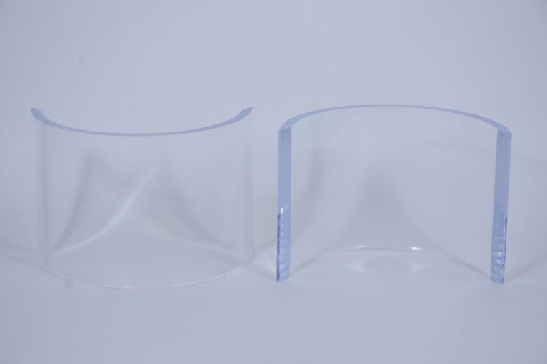 Mid-Century Modern Lucite Base & Glass Coffee Table For Sale 1