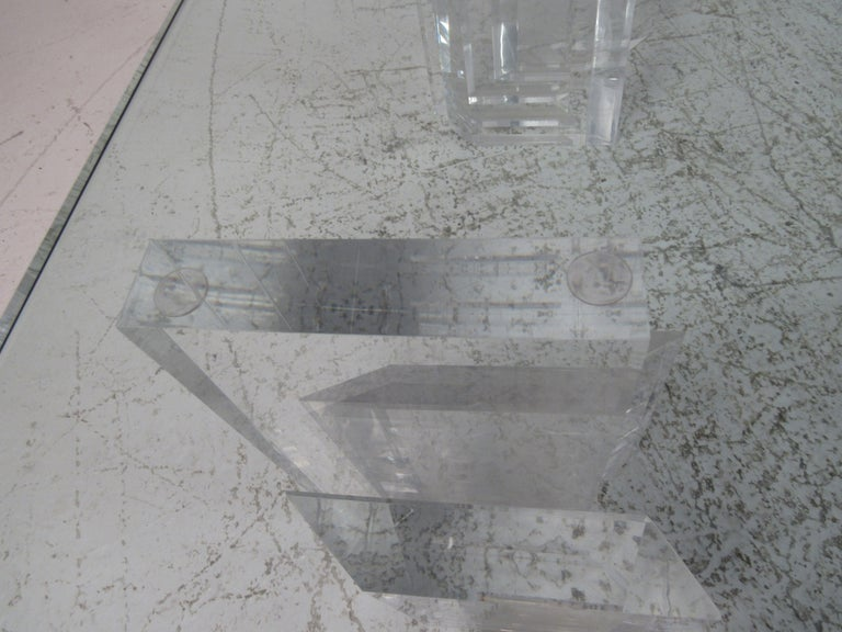 Mid-Century Modern Lucite and Glass Coffee Table For Sale 5