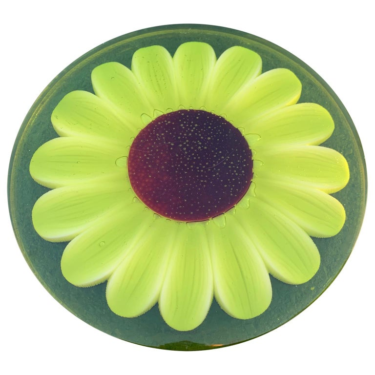 Mid-Century Modern Lucite cutting board with green marguerite daisy flower decor.