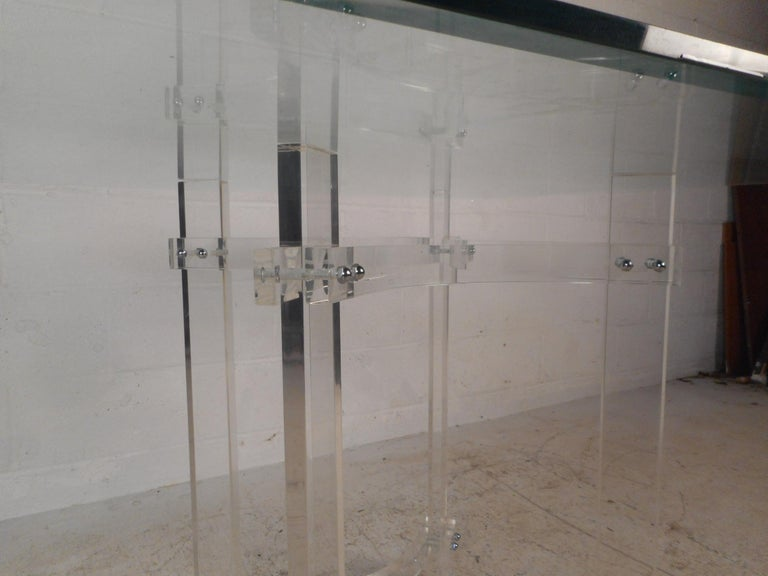 Mid-Century Modern Lucite Dining Set For Sale 5