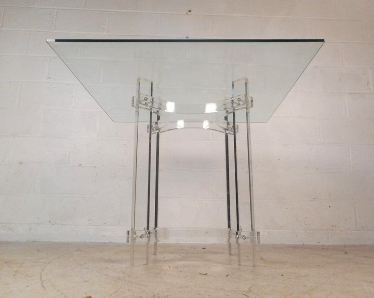 Mid-Century Modern Lucite Dining Set In Good Condition For Sale In Brooklyn, NY