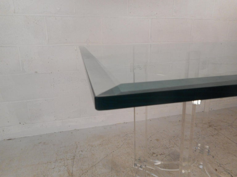 Mid-Century Modern Lucite Dining Set For Sale 4