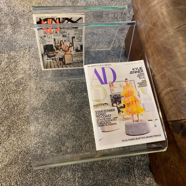 Mid-Century Modern Lucite Magazine Rack Table For Sale 5