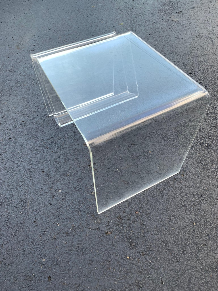 Mid-Century Modern Lucite Magazine Rack Table For Sale 7