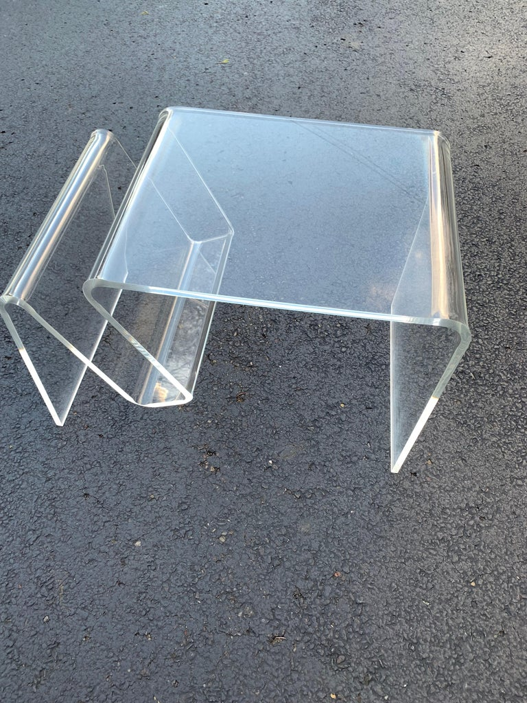 Mid-Century Modern Lucite Magazine Rack Table For Sale 8
