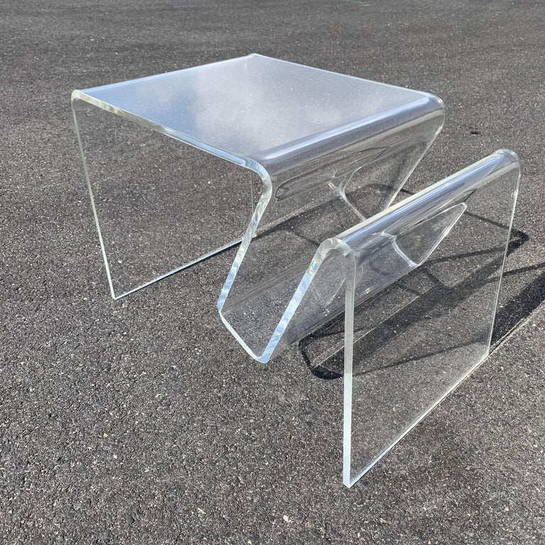 20th Century Mid-Century Modern Lucite Magazine Rack Table For Sale