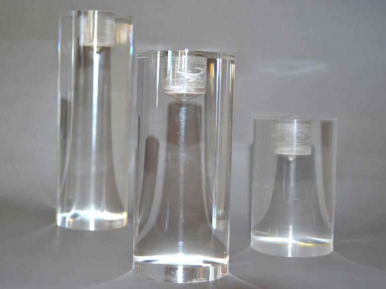 Polished Mid-Century Modern Lucite Round Candleholders, Set of 3 For Sale