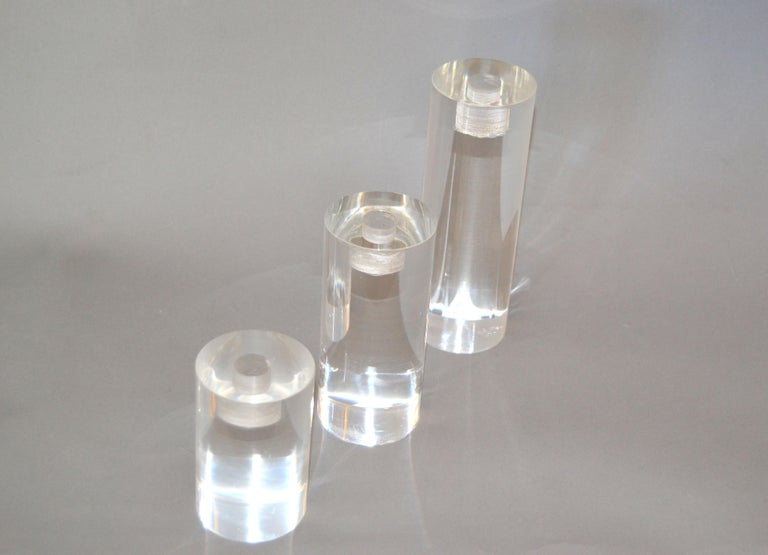 Mid-Century Modern Lucite Round Candleholders, Set of 3 In Good Condition For Sale In Miami, FL