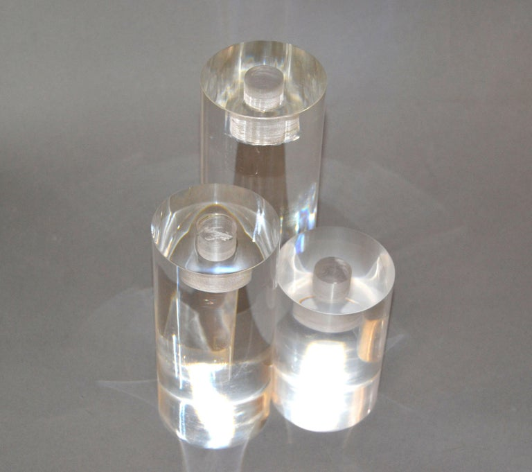Mid-Century Modern Lucite Round Candleholders, Set of 3 For Sale 1