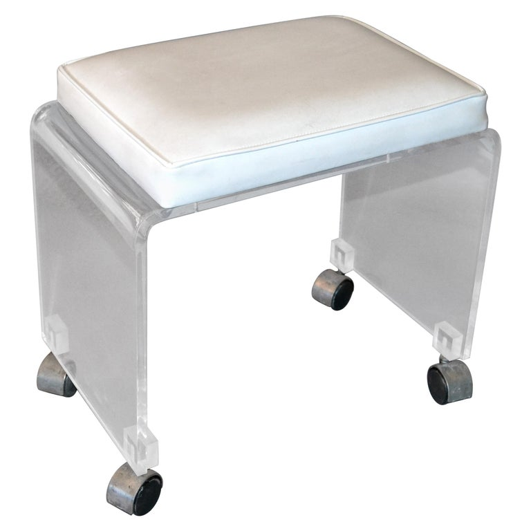 Magnificent Mid Century Modern Lucite Stool Vanity Stool White Vinyl Seat On Chrome Casters Dailytribune Chair Design For Home Dailytribuneorg