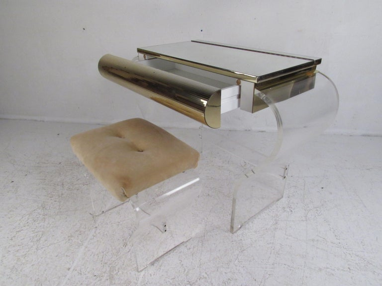 Mid-Century Modern Lucite Vanity with a Mirrored Top by Hill Manufacturing In Good Condition For Sale In Brooklyn, NY