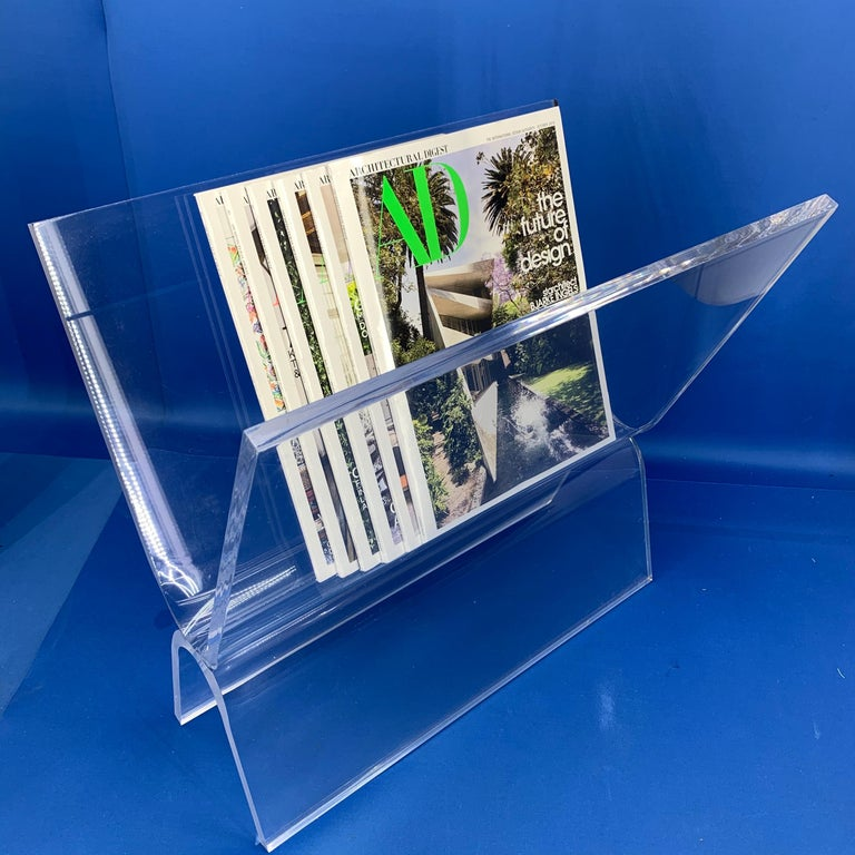 Mid-Century Modern Magazine Rack in Thick Lucite For Sale 5