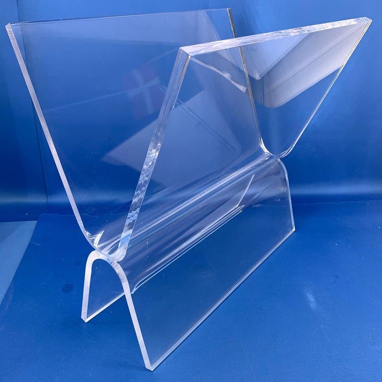 Mid-Century Modern Magazine Rack in Thick Lucite For Sale 7