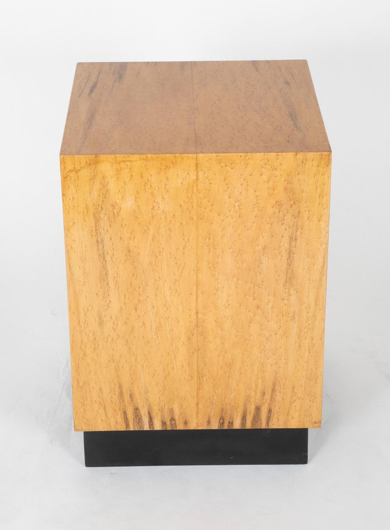 Mid Century Modern Maple Veneered Cube Form End Tables For Sale 7