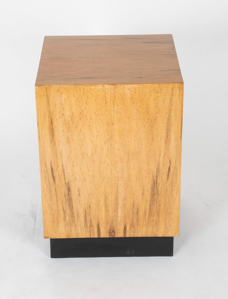 Mid Century Modern Maple Veneered Cube Form End Tables For Sale 8