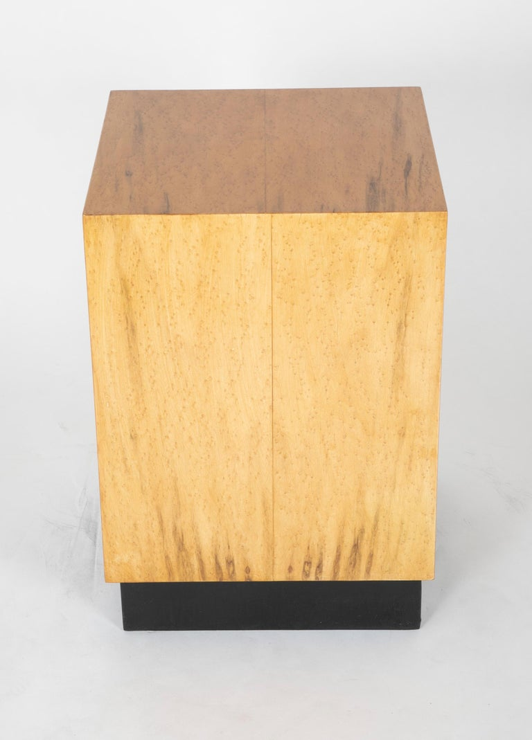 Mid Century Modern Maple Veneered Cube Form End Tables For Sale 9