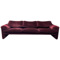 "Mid-Century Modern ""Maralunga"" 3 Seat Sofa by Vico Magistretti for Cassina 1970s"