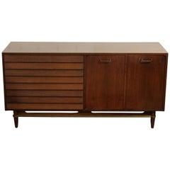Mid-Century Modern Martin Gershun American of Martinsville Walnut Dresser, 1950s