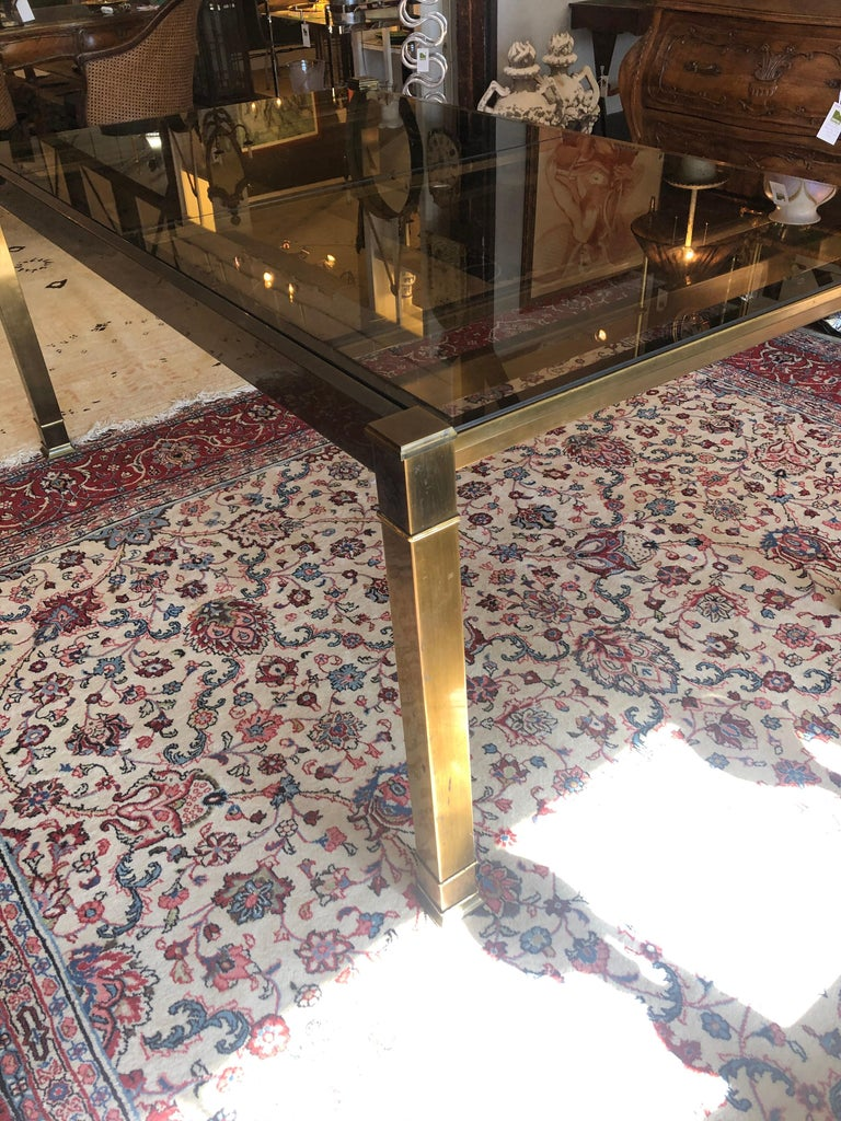Mid-Century Modern Mastercraft Style Brass & Glass Expandable Dining Table In Good Condition For Sale In Hopewell, NJ