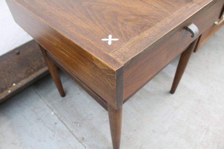 Mid-Century Modern Merton Gershun American of Martinsville Walnut End Table For Sale 9