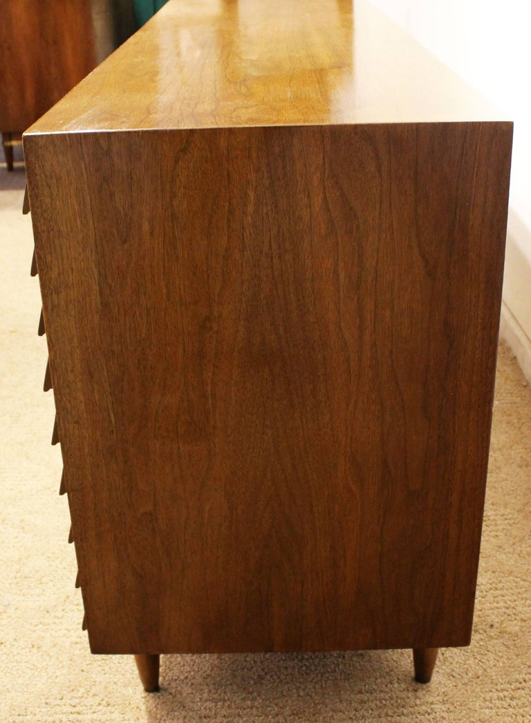 Mid-Century Modern Merton Gershun for American of Martinsville Walnut Credenza For Sale 1